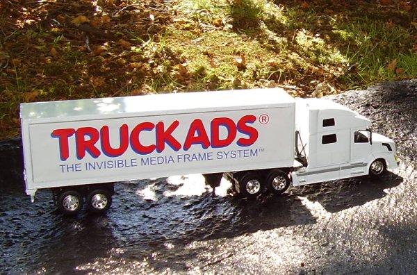 1/32 Scale Model Truck